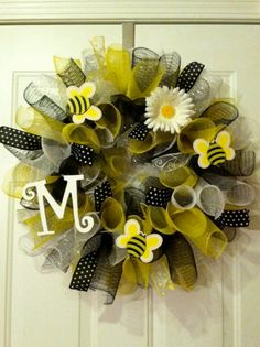Cute idea for baby shower decoration then mom-to-be can take it home and use to decorate the nursery. Wreaths And Garlands, Deco Mesh Wreaths, Holiday Wreaths, Holiday Crafts, Christmas Decorations, Easter Wreaths, Christmas Holiday, Wreath Crafts, Diy Wreath