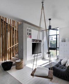 WEBSTA @ ideiasdiferentes - Sala clean e diferente numa casa em Israel. Pelo escritório Neuman Hayner Architects. Confiram o @papodearquiteto para mais design e inspirações.