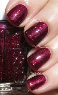 The PolishAholic: Essie Toggle to the Top