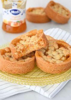 Deze abrikozen rondo's zijn luxe koeken met een vulling van amandelspijs en abrikozenjam. Een eenvoudig recept waarmee je indruk maakt op je gasten.