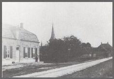 """Het huis links op de foto, dat er nu nog gedeeltelijk staat, werd in 1902 gebouwd als sigarenfabriekje van de gebroeders van Deijck. Rechts ziet u een schuurtje (ongeveer ter hoogte van het huidige kinderdagverblijf) waarin de petroleum werd verkocht. Vooral veel Belgen kwamen hier tijdens de eerste wereldoorlog petroleum kopen. Behalve in petroleum, handelden de gebroeders van Deijck ook in vogelmest """"guano"""", dit was vóór de opkomst van de kunstmest. Bron: """"Riethoven on line"""".  Uit het… History, Outdoor, Nostalgia, Outdoors, Historia, Outdoor Games, History Activities, Outdoor Life"""