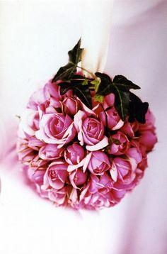 Roses: Flowers from Au nom de la rose (http://www.aunomdelarose.fr/)
