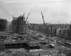 Construction of Stuyvesant Town, 1947 This black and white photograph, taken in early shows the early stages of the construction of Stuyvesant Town. New York Pictures, New York Photos, Old Pictures, Stuyvesant Town, Paris Skyline, New York Skyline, New York City Buildings, Vintage New York, Photo Essay