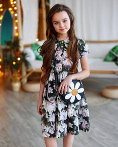 Anastasia Knyazeva, Kristina Pimenova, Famous Girls, Russian Models, Cute Cats And Kittens, Girl Model, Mannequins, Little Girls, Kids Outfits