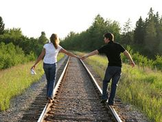 Google Image Result for http://www.redbookmag.com/cm/redbook/images/couple-on-railroad-tracks-medium-new.jpg