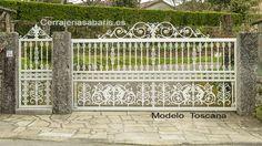 Toscana....puerta clásica de entrada