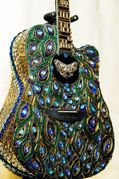 Mosaic Stained glass Peacock Guitar by on Etsy Wouldn't the mosaic interfere with the sound quality? Peacock Decor, Peacock Colors, Peacock Art, Peacock Design, Peacock Feathers, Peacock Theme, Peacock Canvas, Peacock Purse, Peacock Room