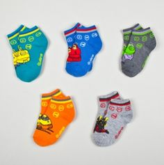 Chuggington 5pk Socks - I need to find these! Harrison would go nuts if i got them for him!!