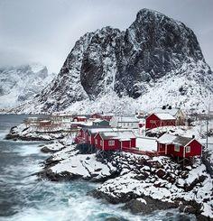 Fishermen cottages in Hamnoy, Lofoten, Norway