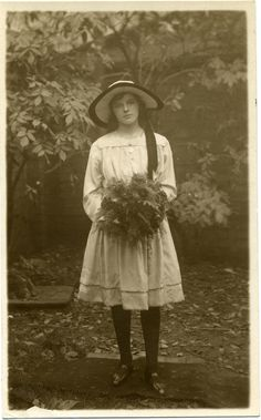 RPPC Portrait of a young woman - England - 1917
