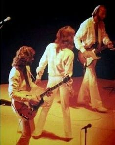 Bee Gees Live, Robin Pictures, Barry Gibb, Band Of Brothers, Great Bands, First Night, Legends, Angel, Magic