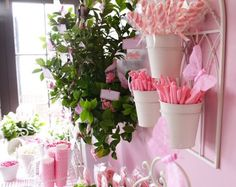 Stunningly beautiful garden party with hanging pots, favors clothes pinned Pink Parties, Birthday Parties, Surprise Birthday, Garden Shower, Sparkle Party, Flower Video, Butterfly Party, Barbie Party, Hanging Pots