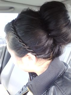 Rope braid headband and sock bun for bad hair days @Sarah Lizz Myers -- let's figure out how to do this (: