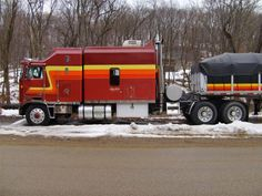 Nice truck big bunk cab over flat bed Show Trucks, Big Rig Trucks, Old Trucks, Pickup Trucks, Dump Trucks, Lifted Trucks, Custom Big Rigs, Custom Trucks, Model Truck Kits