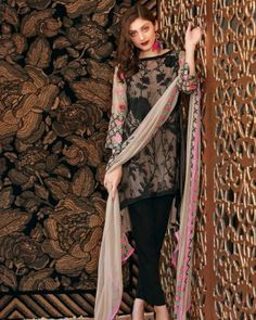 Rawaaj presents Best Pakistani women Clothes & Suits in UK, Browse our big Women Clothes collection from the biggest Pakistani Brands Orient, Junaid Jamshed, Khaadi. Pakistani Clothes Online, Pakistani Outfits, Clothes Online Uk, Suits Uk, Pakistani Designers, Simple Style, Luxury Fashion, Kimono Top, Chiffon