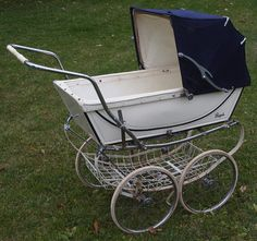 Royale I think that these prams had the most elegant hood arms