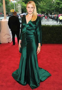 The color of this dress! Love. (worn by Greta Gerwig)