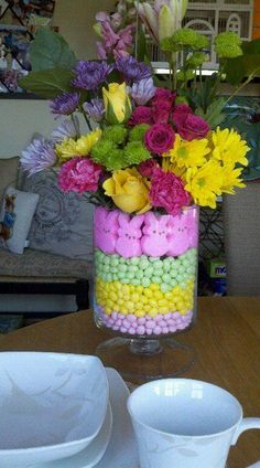 My czn made this adorably gorgeous spring bouquet!