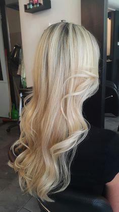 Haircut, highlights & blowdry 💛  #salon #hairsalon #hairdresser #hairstylist #haircut #hairdye #hairdo #blowdry #goodhairday #hairstyling #beautifulhair #gorgeoushair #greathair #wavyhair #longhair #curlyhair #hairtrend #haironpoint #lovelyhair #highlights #matrixhair #newhaircolor #coloredhair #blondehair #blonde #blondehairdontcare #leeuwarden