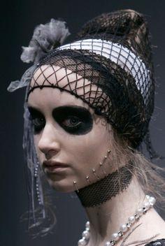 . Show Makeup, Makeup Art, Dead Makeup, Halloween Costumes, Halloween Face Makeup, Spooky Halloween, Halloween Ideas, Halloween Party, Vampire Bride