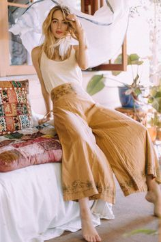 Tree of Life Makes Good Style Look Effortless In This Collection Source by thecoolhour hippie style 70s Outfits, Boho Outfits, Summer Outfits, Cute Outfits, Fashion Outfits, Cute Hippie Outfits, Concert Outfits, Beach Outfits, Festival Outfits