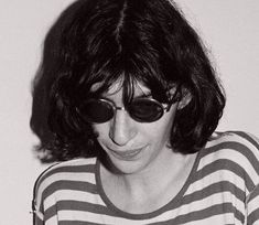 GABBA GABBA HEY 👽さんはInstagramを利用しています:「🖤 JOEY 🖤 #joeyramone #johnnyramone #deedeeramone #deedeeking #tommyramone #markyramone #cjramone #richieramone #joeyramonearmy…」 Joey Ramone, Gabba Gabba, Ramones, Spirit Animal, Punk Rock, Rock N Roll, Musicians, Angels, Entertainment