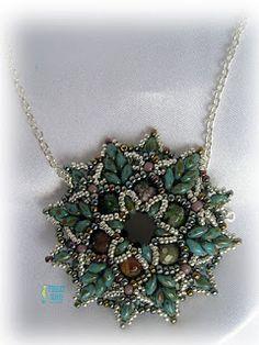Noelia work with Beads - Pattern is Zonnetje Pendant by Ellad2 on Etsy