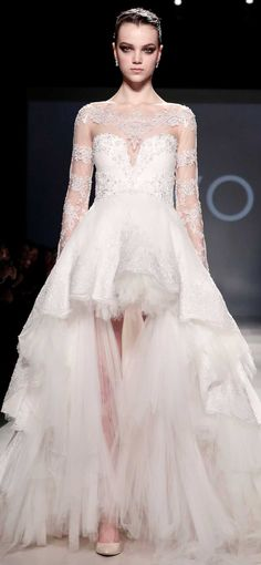 PAVONI / change a few things on this Couture Fashion, Runway Fashion, Fashion Show, Fashion Design, Nice Dresses, Amazing Dresses, Formal Dresses, Bridal Gowns, Wedding Gowns