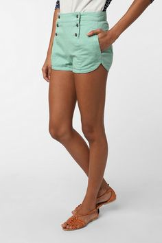 Mint Sailor Shorts, they look cute and comfy! Passion For Fashion, Love Fashion, Womens Fashion, Summer Wear, Spring Summer Fashion, Freetime Activities, Mint Shorts, Green Shorts, Sailor Shorts