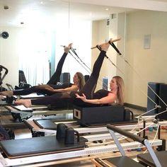 Great little reformer combo for core strength, pelvis stability and hamstring S-T-R-E-T-C-H #powerpilatesuk #pilates #reformerpilates