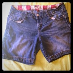 ‼️CLEARANCE‼️ Lei flag jean shorts size 11 These cute denim shorts are perfect for the summer! Show your American pride in style with these factory distressed jean shorts. They are size 11 and are too big for me now. I got a lot of compliments on them, you will too! :) lei Shorts Jean Shorts