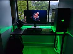Razer Battlestation Post with 1538 views. Best Gaming Setup, Gamer Setup, Gaming Room Setup, Pc Setup, Gaming Rooms, Simple Computer Desk, Computer Desk Setup, Gaming Computer, Parkour
