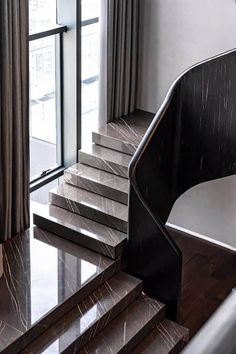 Awesome Granite Staircase Designs - Engineering Discoveries Staircase Design Modern, Luxury Staircase, Home Stairs Design, Modern Stairs, Railing Design, Interior Stairs, Modern House Design, Home Interior Design, Interior Architecture