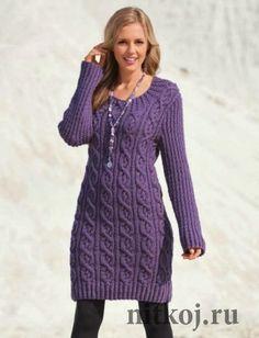 Вязаное платье спицами в трикотаже