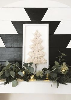 Christmas Time Is Here, Christmas Love, Winter Christmas, All Things Christmas, Minimal Christmas, Natural Christmas, Diy Christmas Tree, Christmas Tree With Feathers, Minimalist Christmas Tree