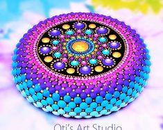 Jewel Mandala Hand-painted Stones by OtisArtStudio on Etsy Rock Painting Patterns, Dot Art Painting, Rock Painting Designs, Mandala Painting, Pebble Painting, Stone Painting, Mandala Painted Rocks, Mandala Rocks, Painted Stones