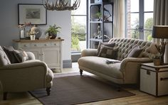 Berneray | With the warmth of Harris Tweed and combination of classic styling and modern lines this sofa oozes personality.