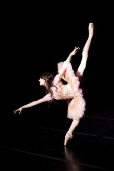 to the girl at school today that told me that ballet isn't hard...why don't you figure out how to do this and then maybe we'll talk>:)