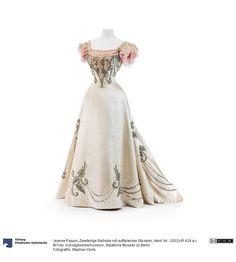 ball gown c. 1895 | designer Jeanne Paquin | 2003,KR 424 a-c | Kunstgewerbemuseum, Staatliche Museen zu Berlin