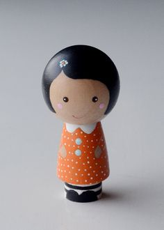 Wooden Kokeshi Peg Doll Girl Betsy Lou by tinyhouselove on Etsy Wood Peg Dolls, Clothespin Dolls, Momiji Doll, Kokeshi Dolls, Felt Dolls, Paper Dolls, Doll Painting, Tiny Dolls, Wooden Pegs