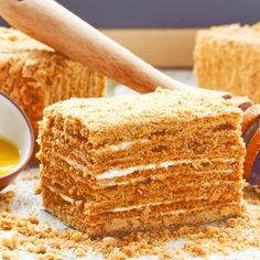 Starinska medena torta: Najbolji recept za slatkiš koji se topi u ustima Biscuits Russes, Sweet And Salty, Cornbread, Vanilla Cake, Food And Drink, Cooking, Ethnic Recipes, Tailgate Desserts, Sweets