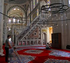 Pray in Fatih Mosque