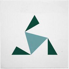 The sky above pyramids – minimal geometric composition