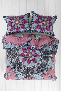 Magical Thinking Astra Medallion Comforter - Urban Outfitters