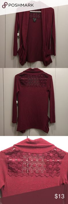 Burgundy Cardigan❤️ In great condition. 2 pockets. The arms were just a little tight for me. Great color for this time of year! Please let me know if you have any questions! Wet Seal Sweaters Cardigans