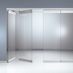 A horizontal sliding wall -Sliding glass Partition Sliding Wall, Sliding Glass Door, Glass Doors, Murs Mobiles, Glass Wall Systems, Glass Partition Wall, Stacking Doors, Movable Walls, Glass Office
