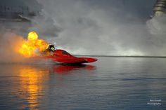 Top Fuel Drag Boat