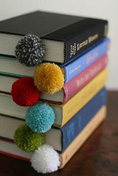 Confira 10 lindas ideias para fazer com pompom. Artesanato, decoração, utilidades... De tudo um pouco e muitas opções fáceis de fazer. :)