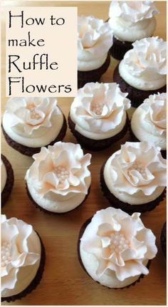 How to make Ruffled Flowers: Peach Ruffle Cake & Cupcakes Cake Decorating Techniques, Cake Decorating Tutorials, Cookie Decorating, Decorating Cakes, Decorating Ideas, Decor Ideas, Pretty Cakes, Beautiful Cakes, Amazing Cakes