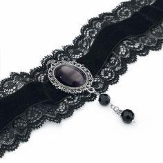 """#Collarino in velluto """"Ornament Lace"""" con profili in pizzo e pietra centrale. Lunghezza: 30 - 38 cm circa."""